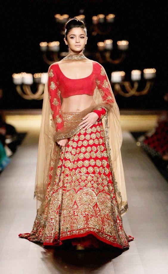 alia bhatt wedding lehenga